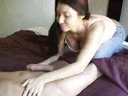 Novia hace que el sexo oral y se traga el esperma